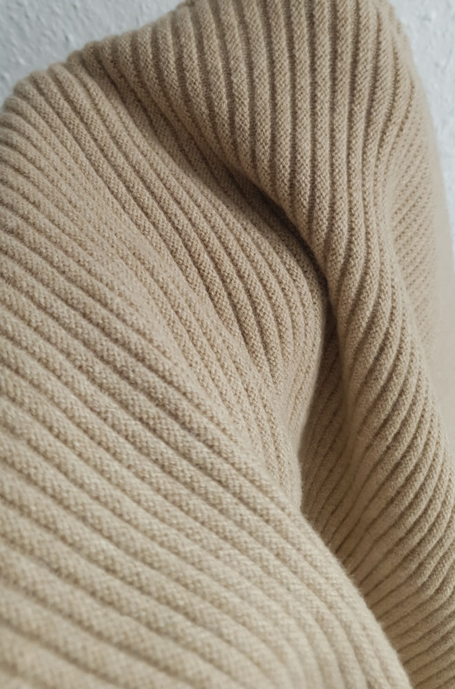 BASERANGE Kai Sweater   chic edition