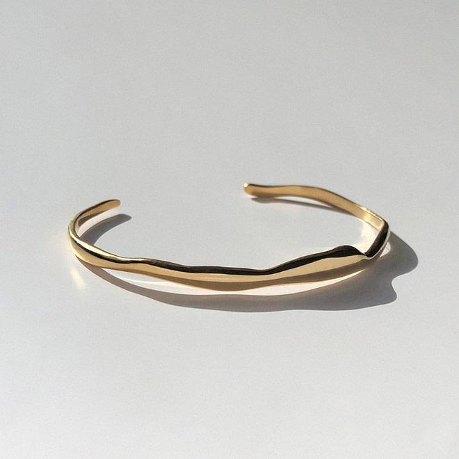 BAR JEWELLERY Wide Ripple Bracelet | chic edition